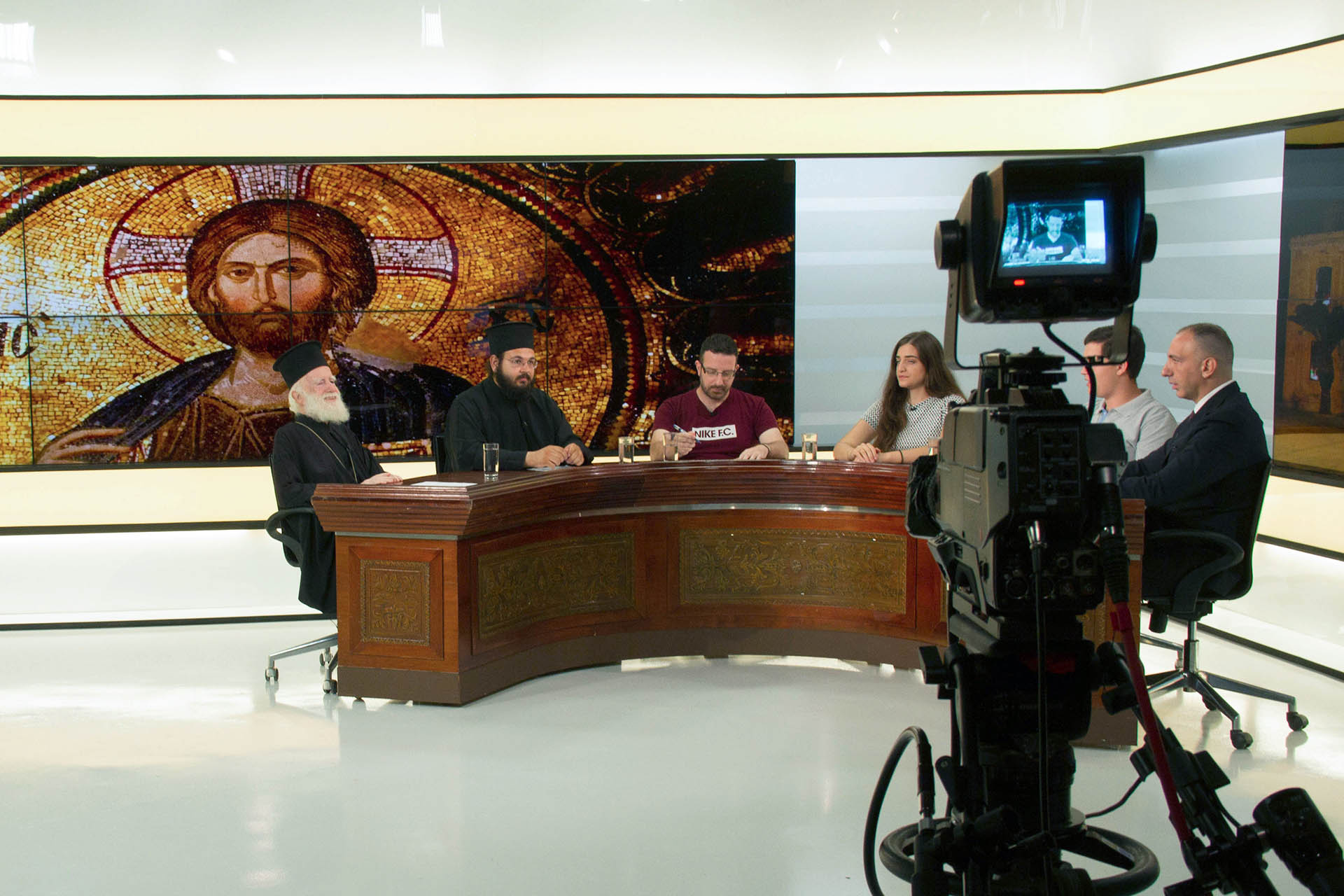 Αποτέλεσμα εικόνας για Αρχιεπίσκοπος Κρήτης Ειρηναίος - Μάθημα των Θρησκευτικών
